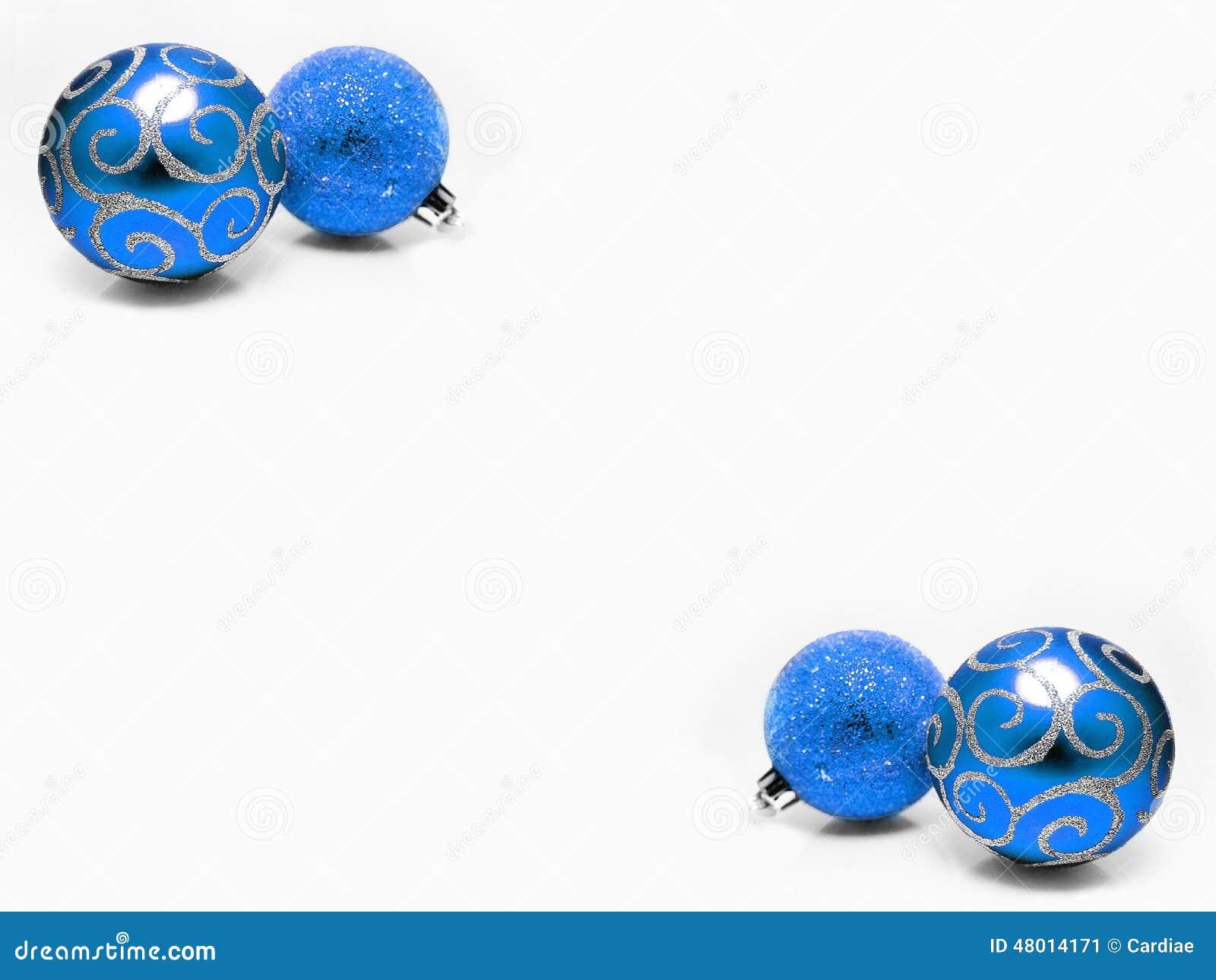 圣诞节装饰装饰淡光蓝色和银色球假日Xmas背景