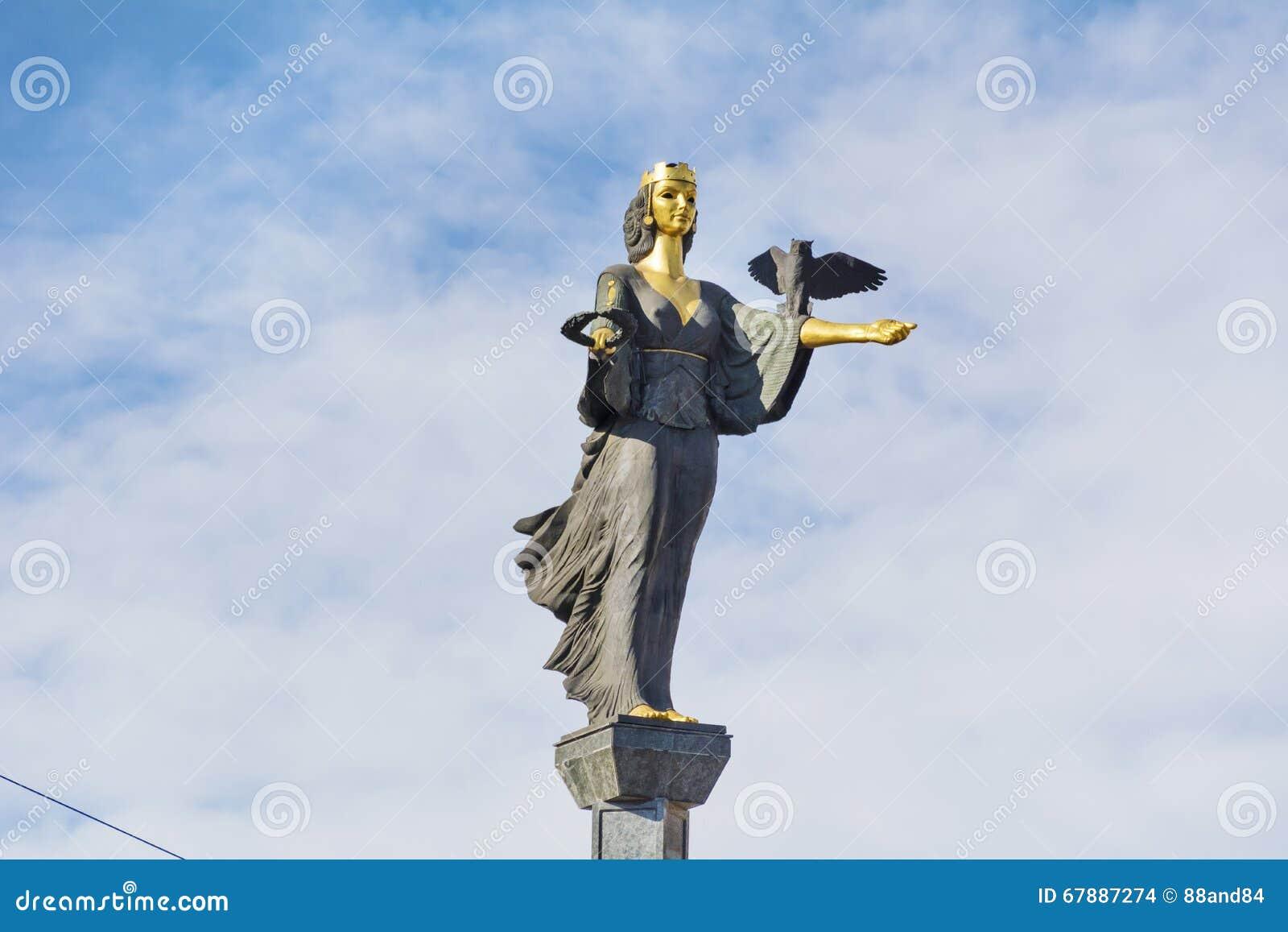圣索非亚金黄雕象在索非亚,保加利亚