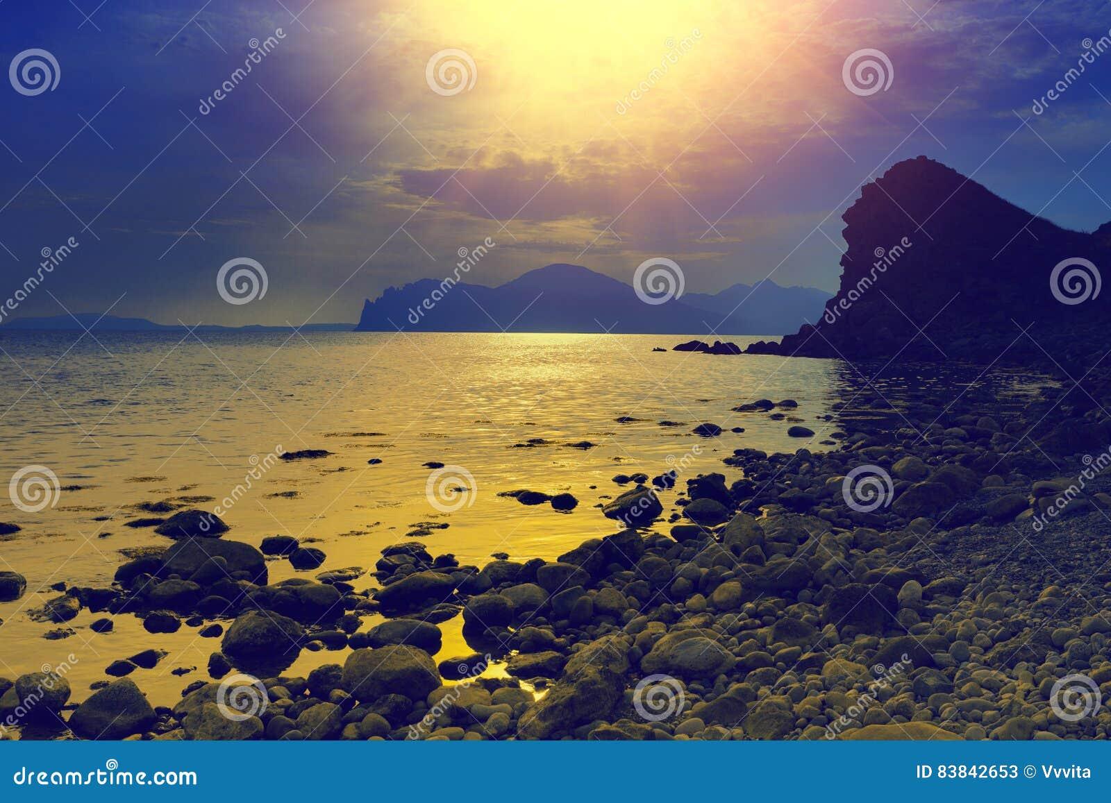 在еру海的日落