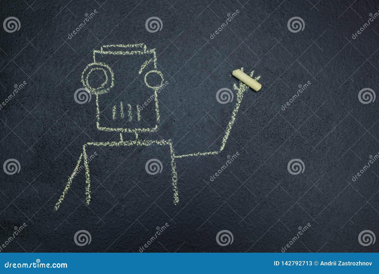 在一个黑板的被绘的机器人有白垩的在手中