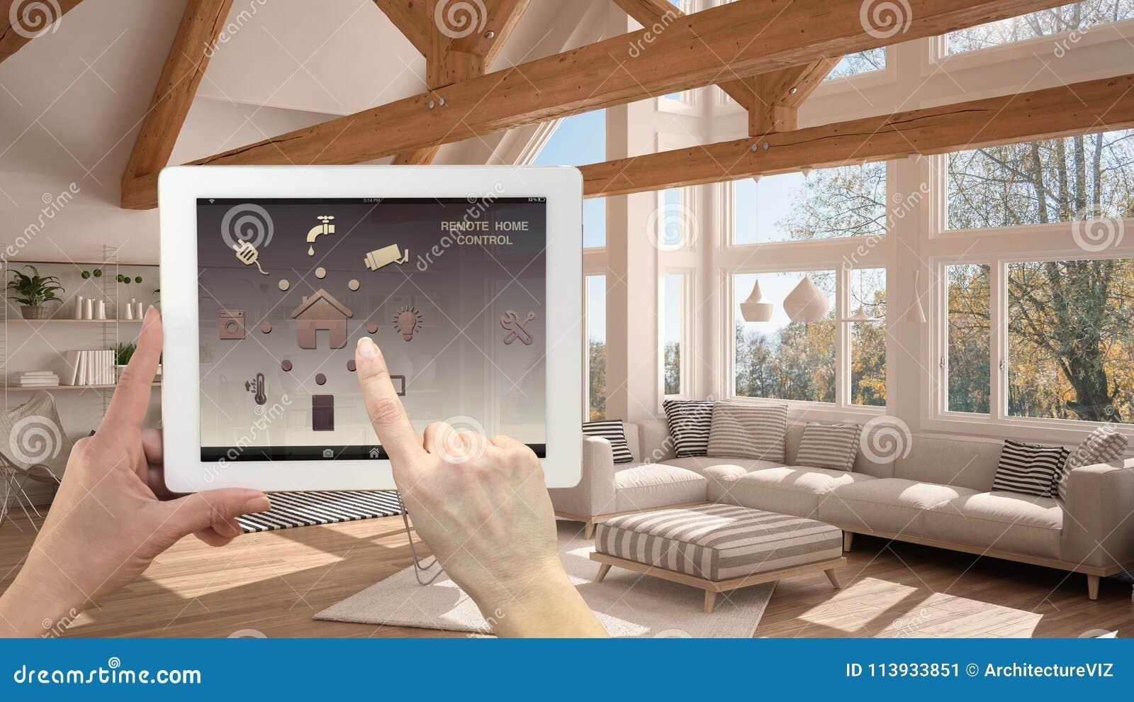 在一种数字式片剂的聪明的遥远的家庭控制系统 有app象的设备 现代客厅在背景中,弧内部