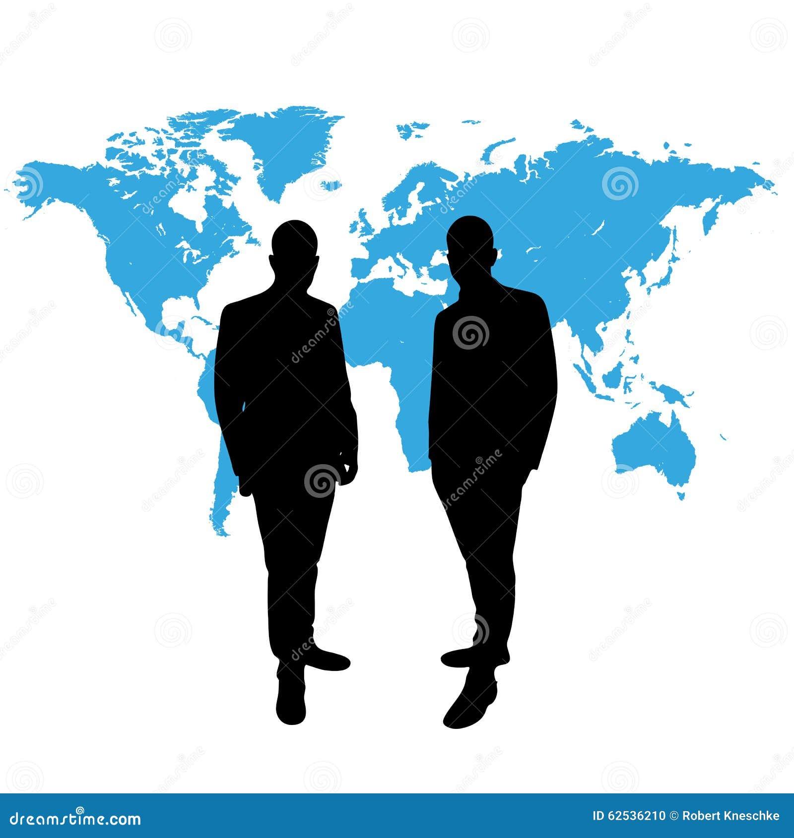 在世界地图前面的CEO