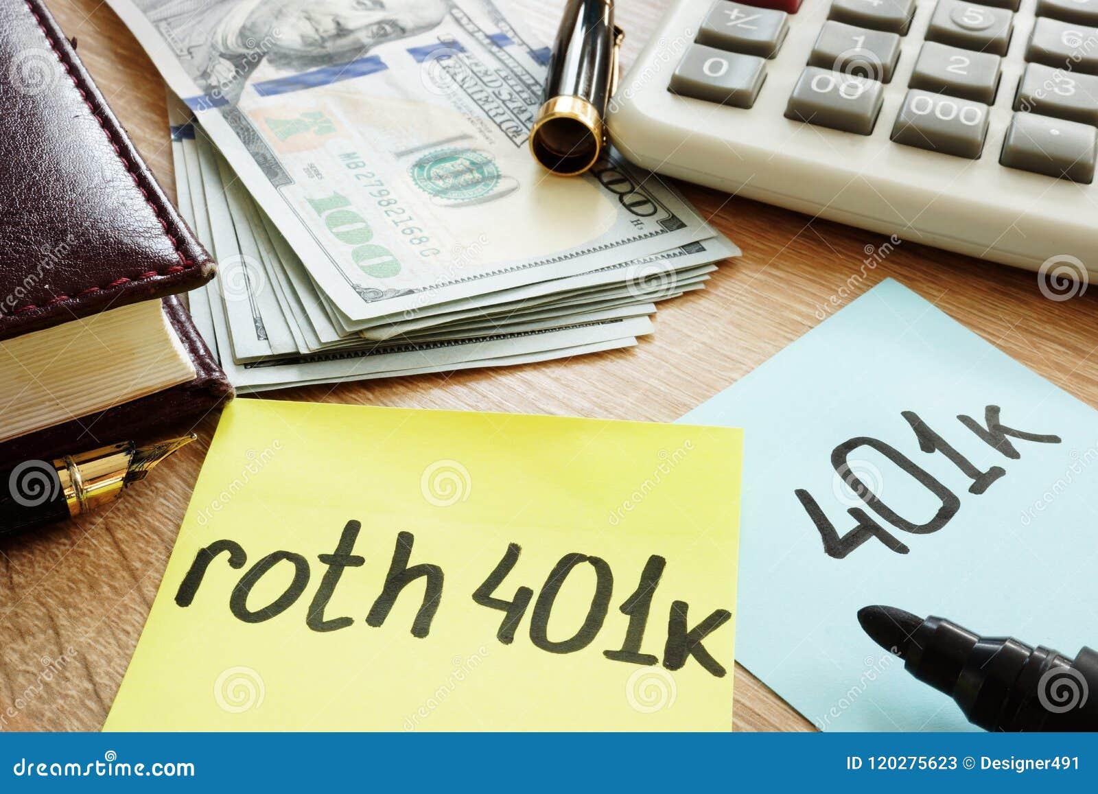 在书桌上的两根备忘录棍子roth 401k 退休