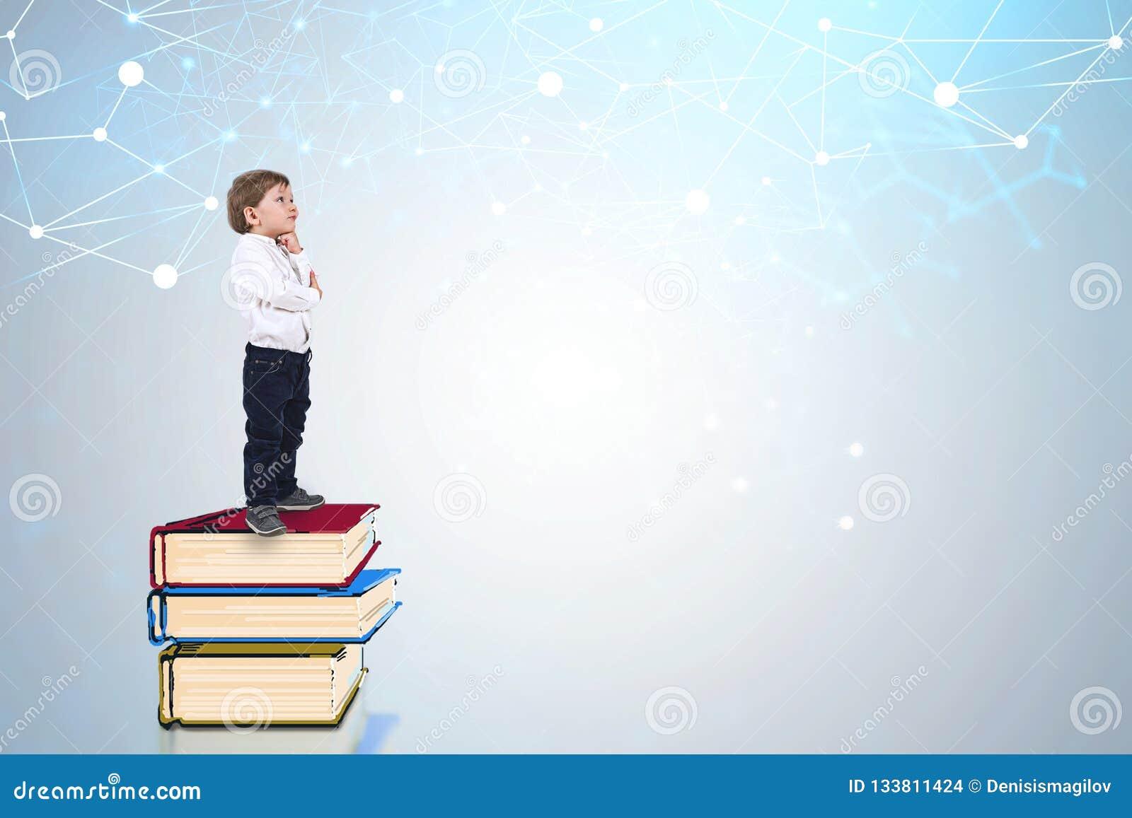 在书的小男孩身分,网络