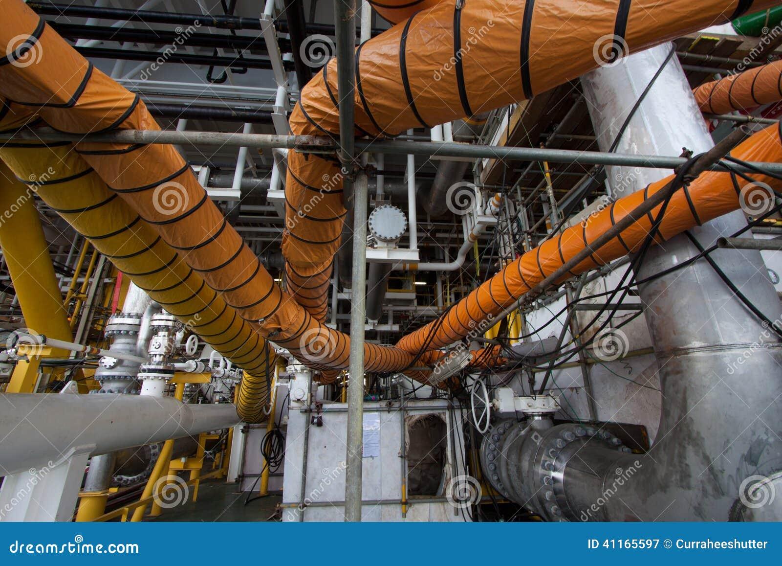 在产业工作的供气水管,当开放出入孔或工作在局限的空间区域