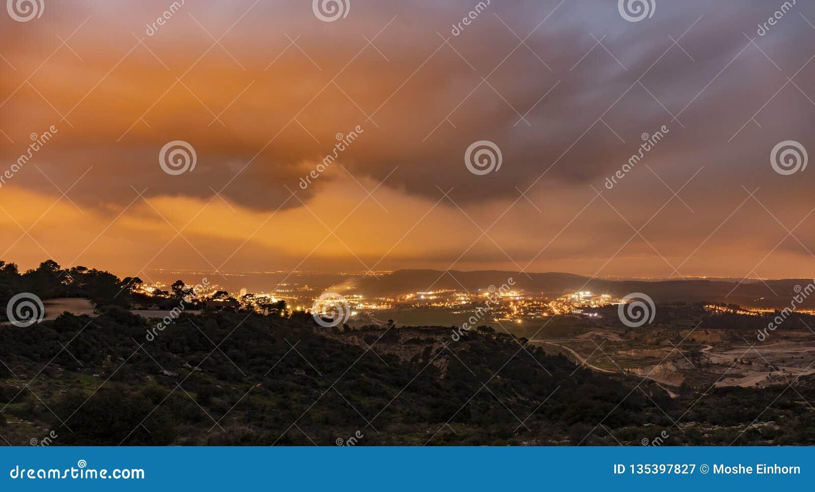 在以色列的冬天日落