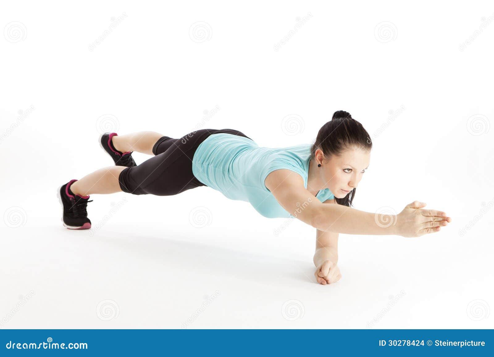 在体操训练期间的妇女
