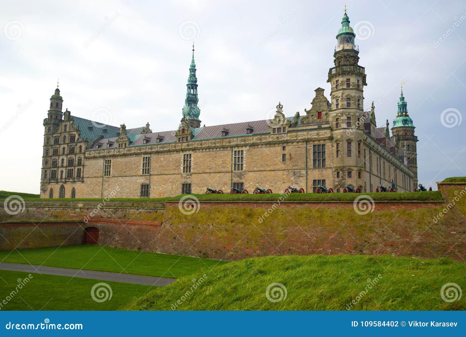 在克伦堡城堡的一多云11月天 Helsinger,丹麦