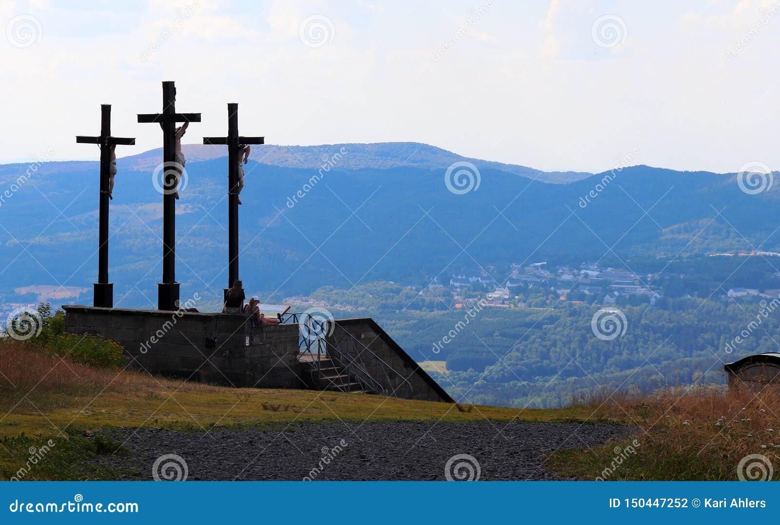 在克罗伊茨贝格的三个十字架在德国