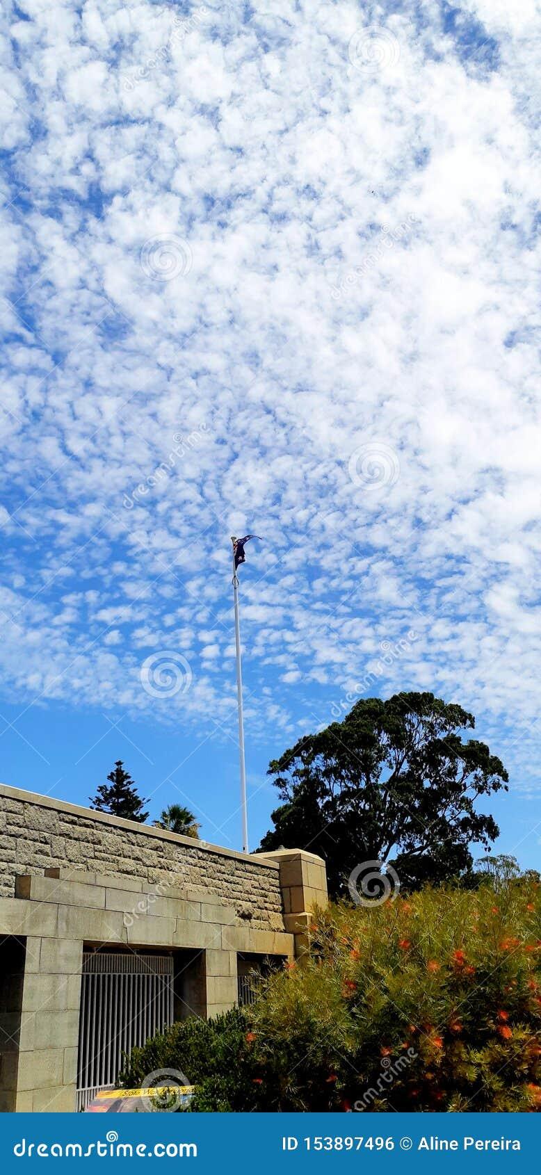 在公园里面的澳大利亚旗子