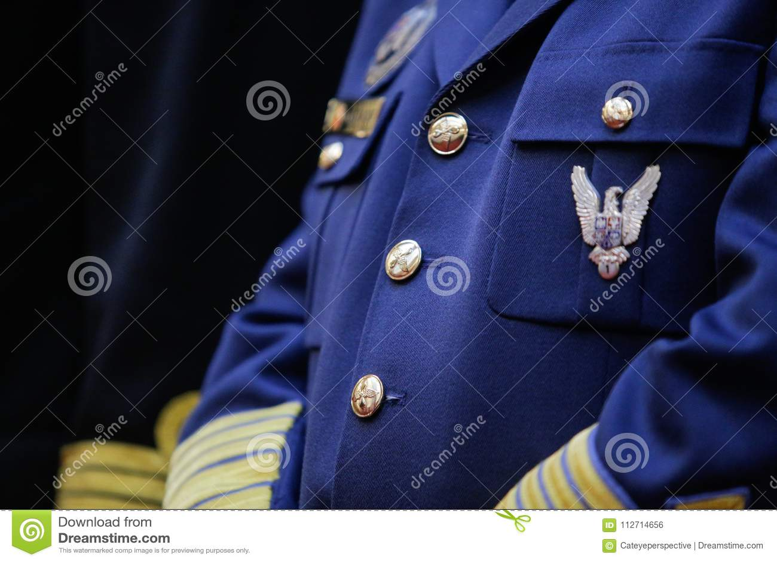 在军服的军事权威