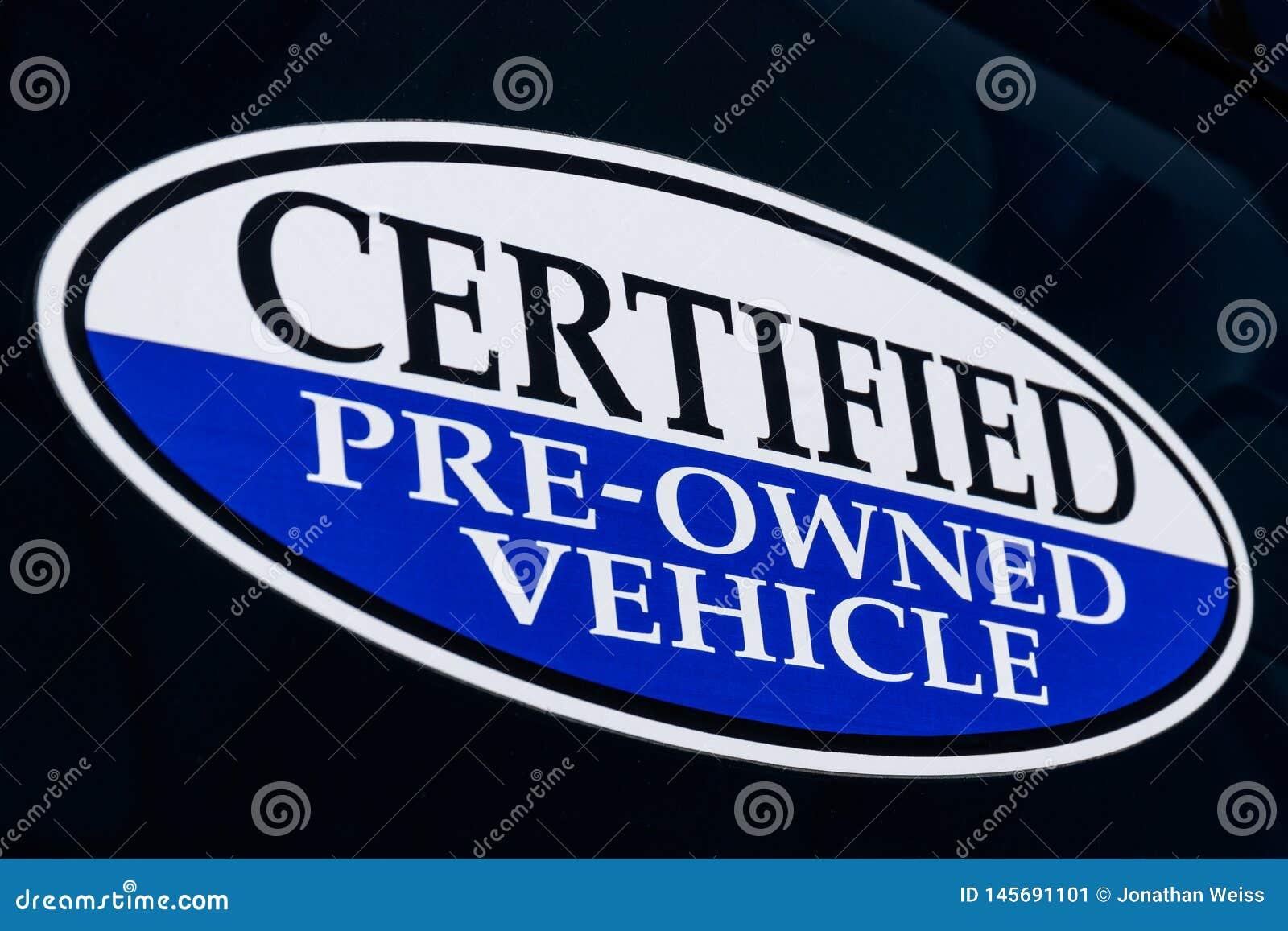 在半新车经销权II的被证明的以前拥有的车标志