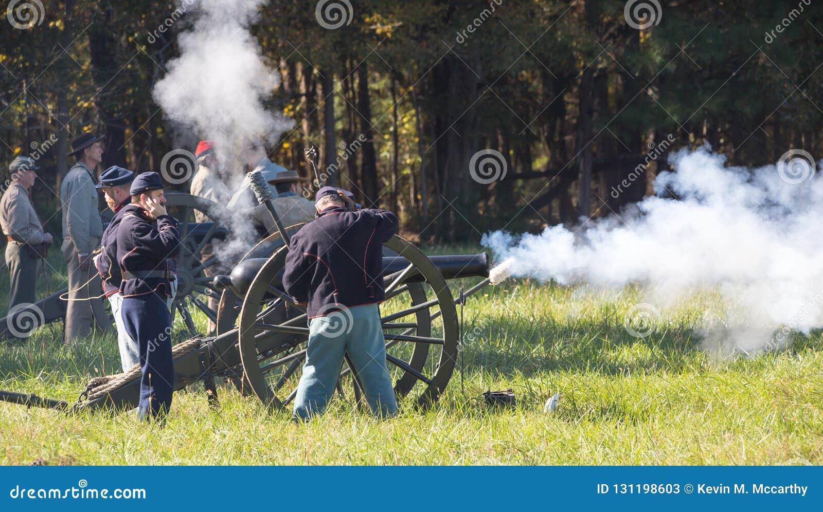 在南北战争再制定期间的大炮生火