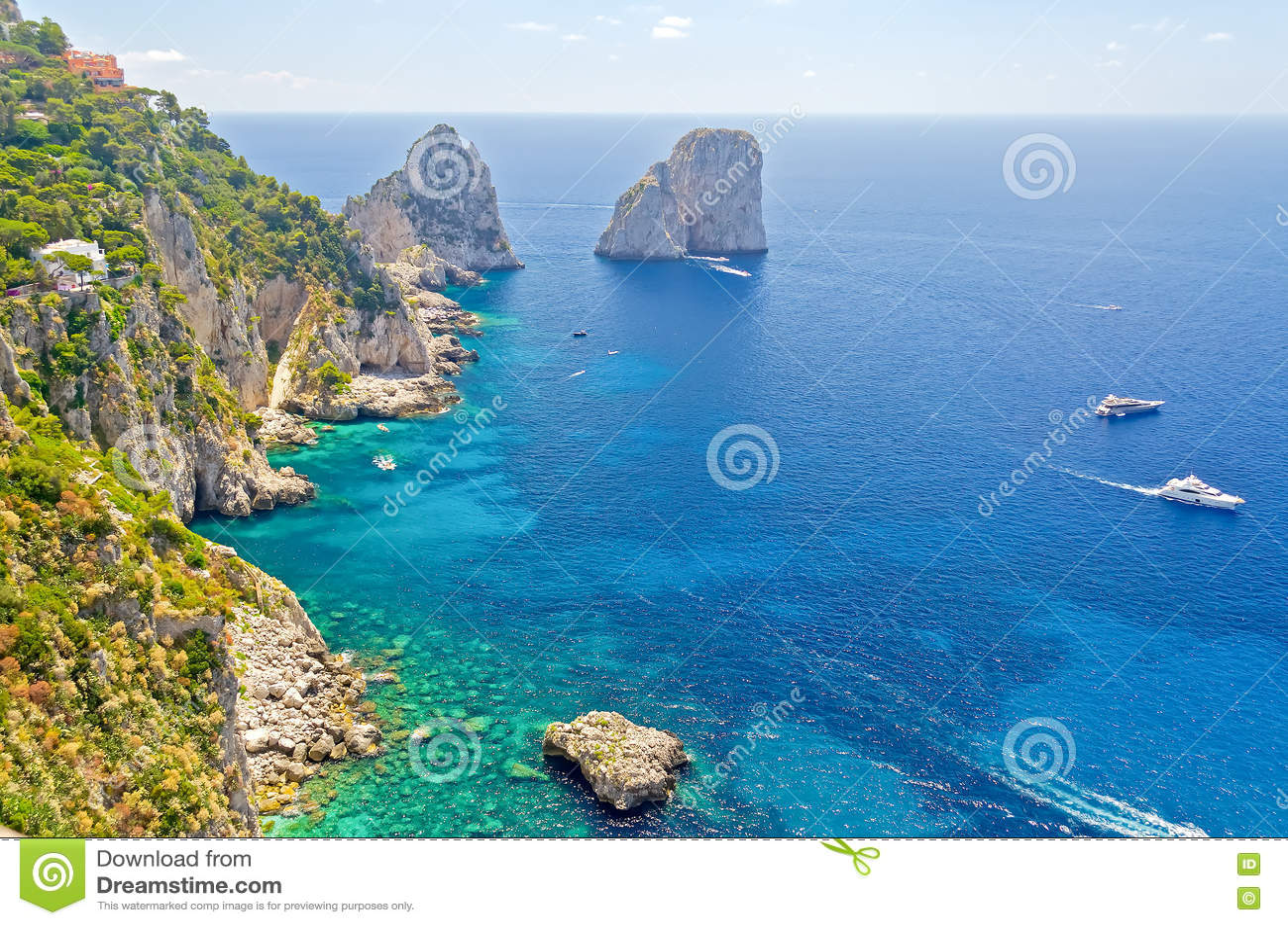 里岛地?_免版税  download comp 在卡普里岛,地中海,意大利海岛的faraglioni