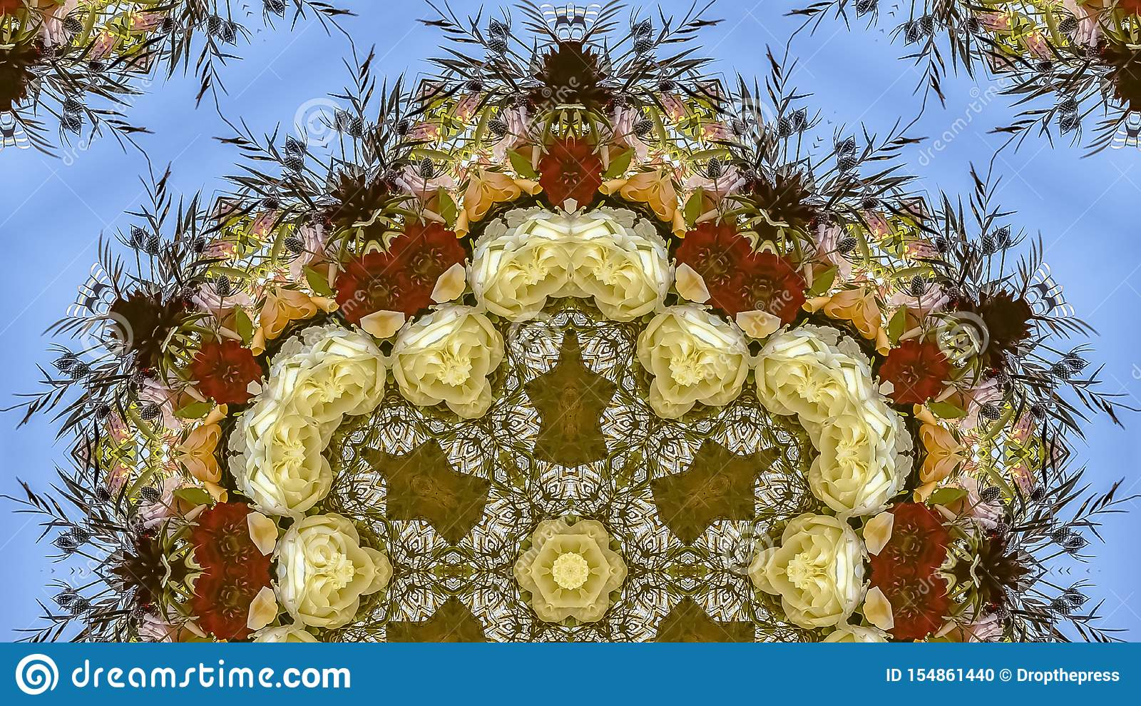 在圆安排的全景六角花在婚礼在蓝色背景的加利福尼亚