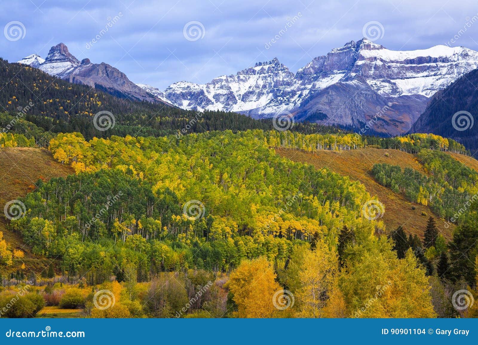 在圣胡安山的秋天
