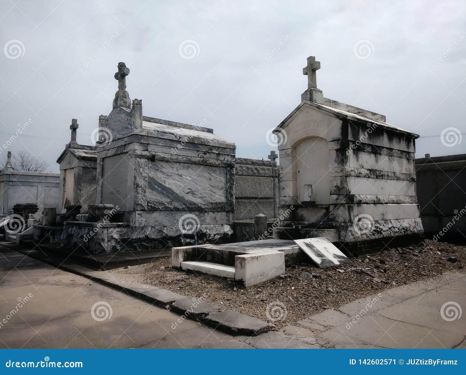 在地面坟园上的圣文森特