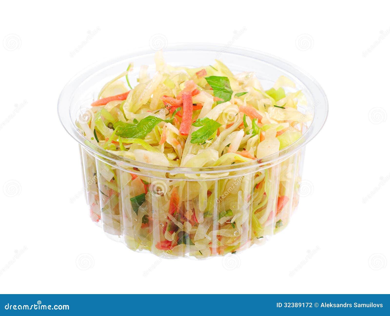 在塑料封装的凉拌卷心菜