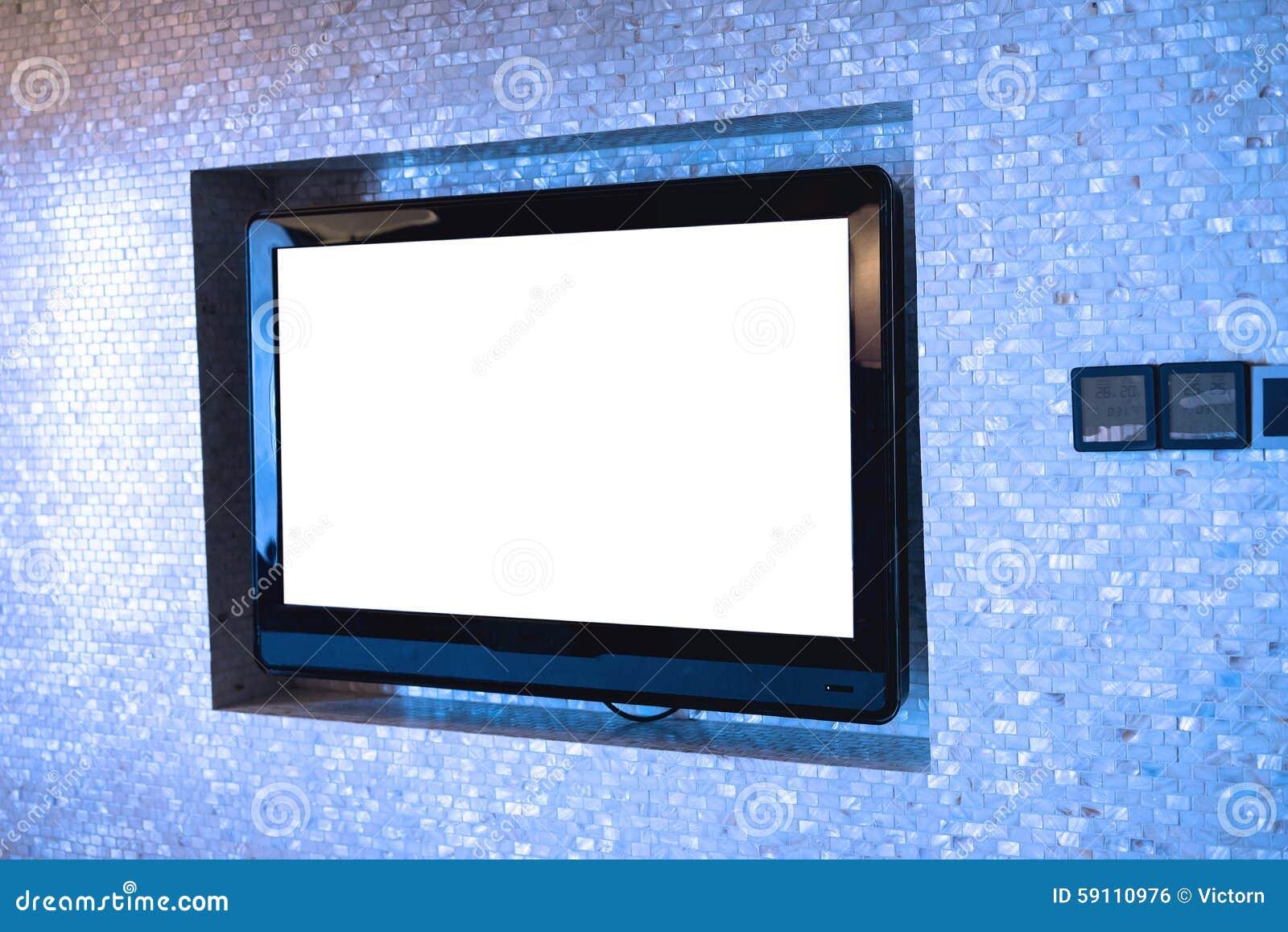 在墙壁上的电视