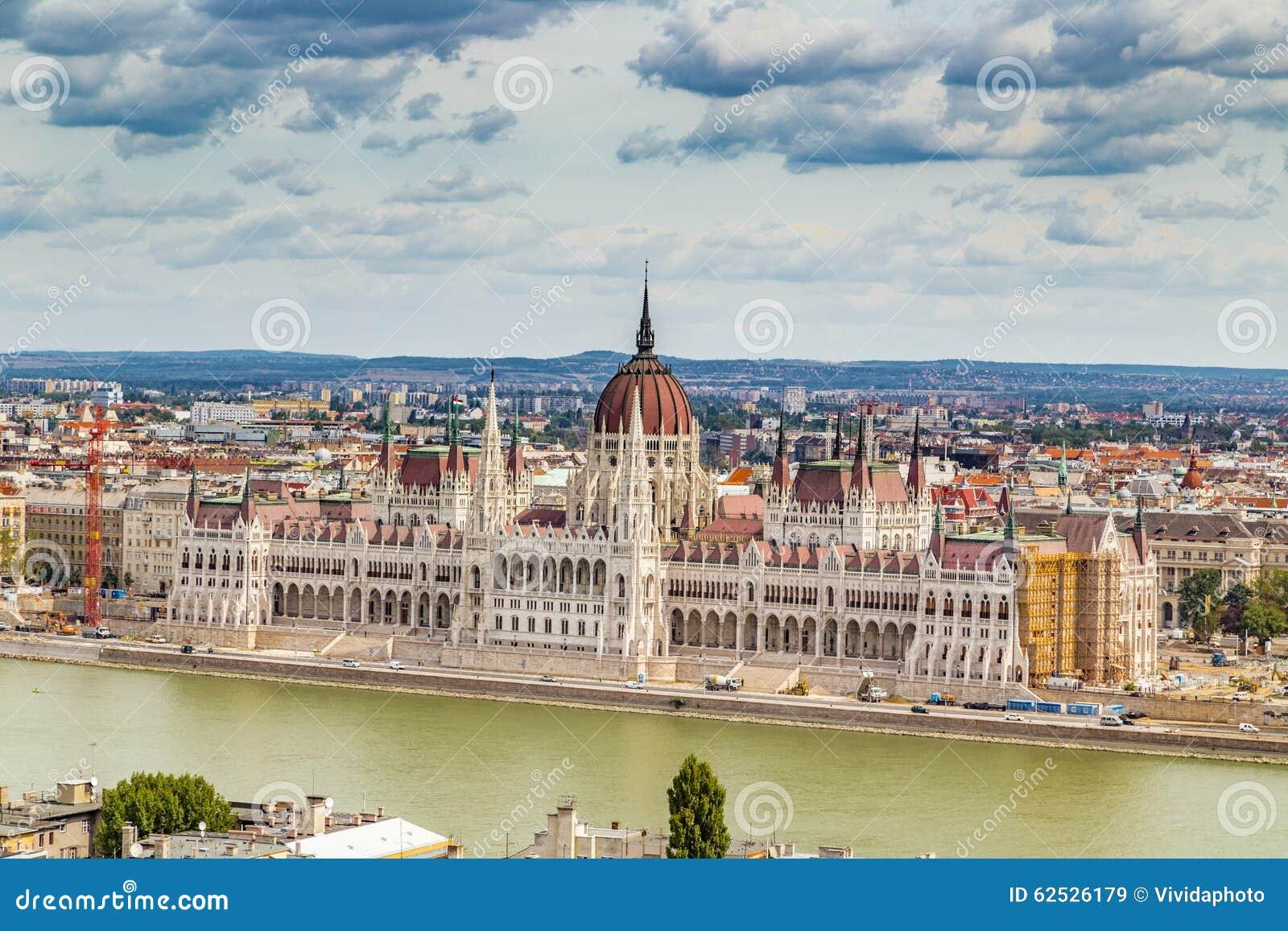 在多瑙河的议会在布达佩斯
