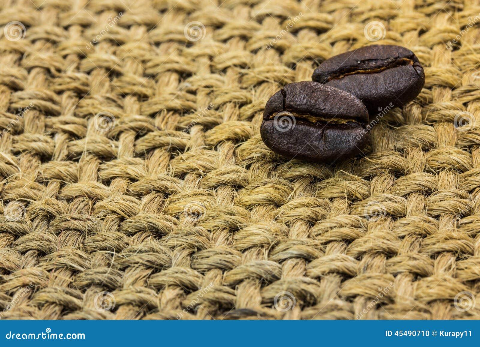 在大袋的咖啡豆