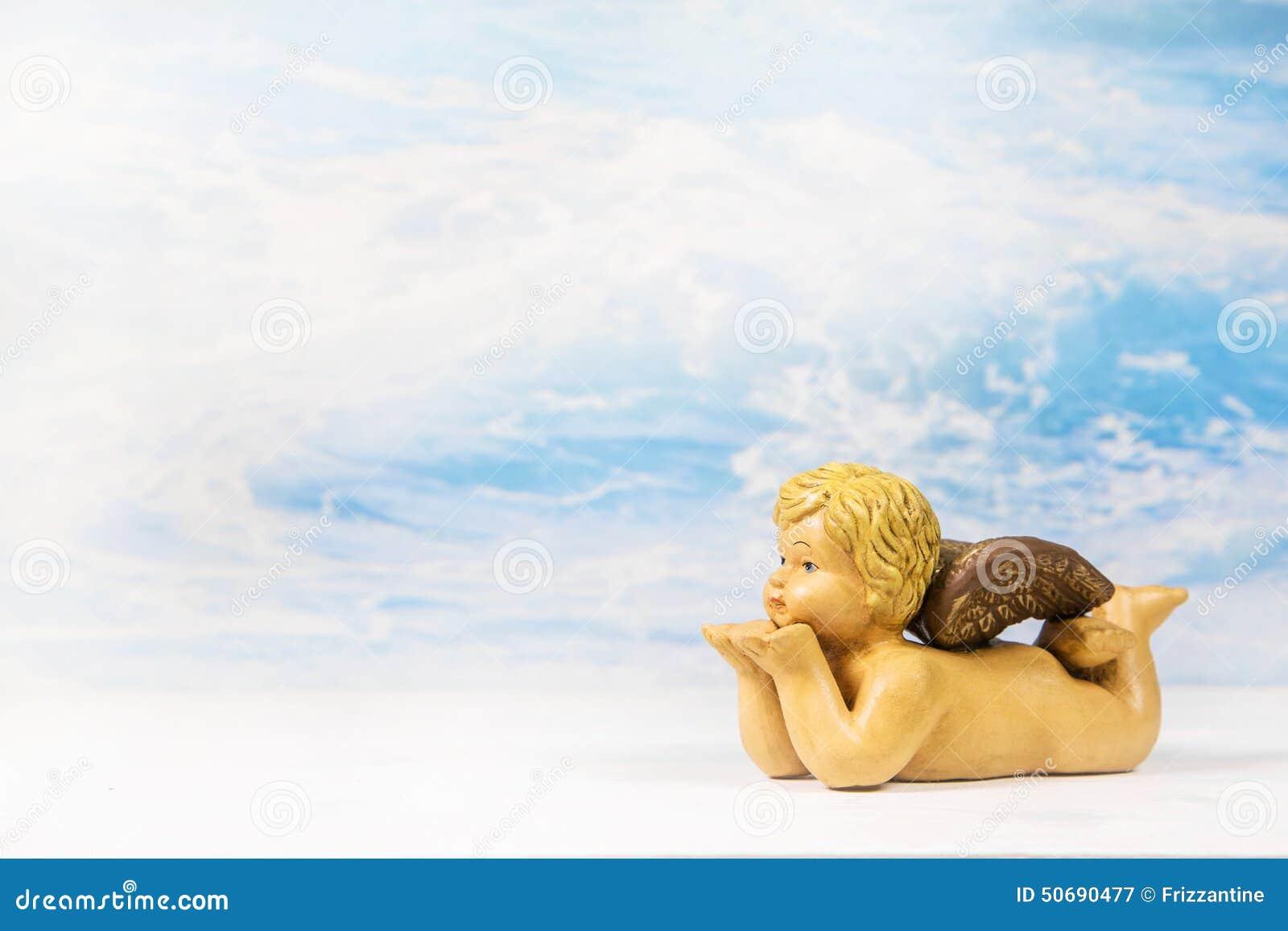 Download 在天堂背景的吹的天使形象 库存图片. 图片 包括有 分娩, 吊唁, 问候, 野蛮时代, 运气, 看板卡, 信念 - 50690477