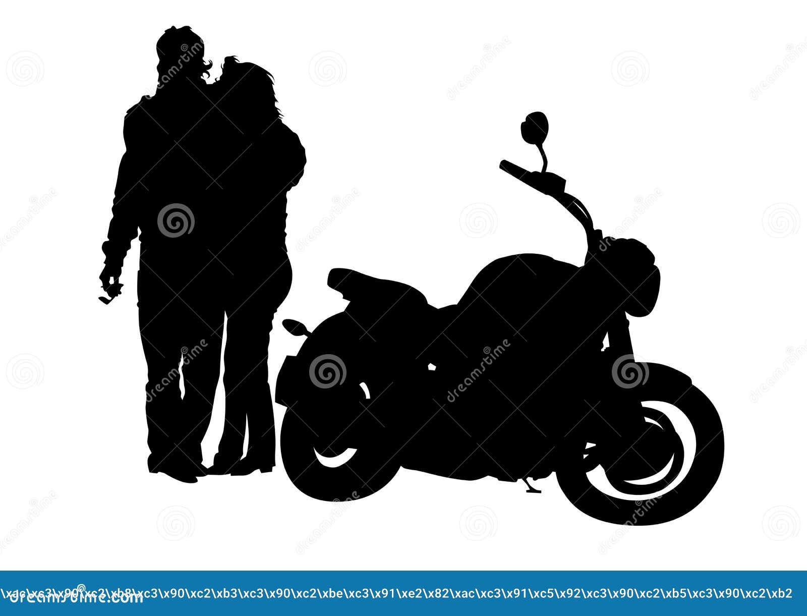 在妇女旁边的人摩托车