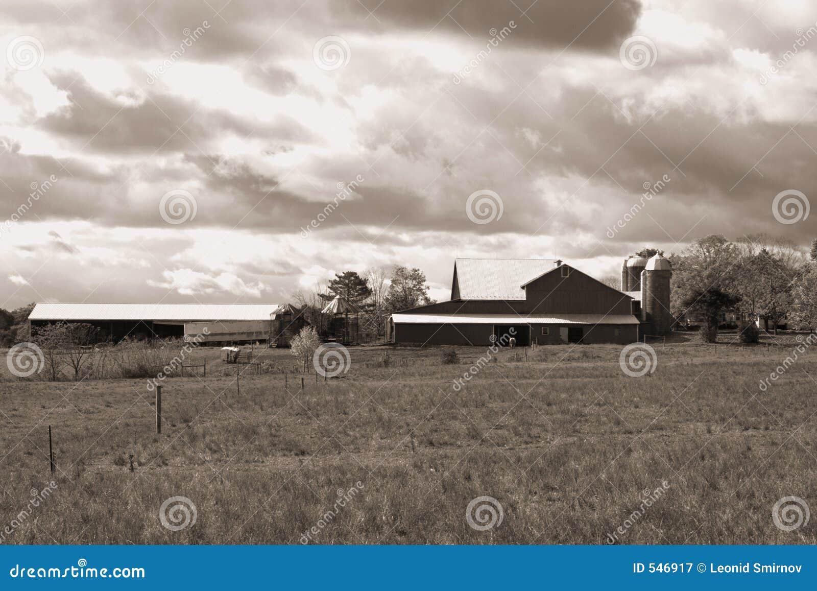 Download 在宾夕法尼亚天空w的b农场 库存图片. 图片 包括有 乡下, 布琼布拉, 布哈拉, 藏品, 陆运, 云彩, 投反对票 - 546917