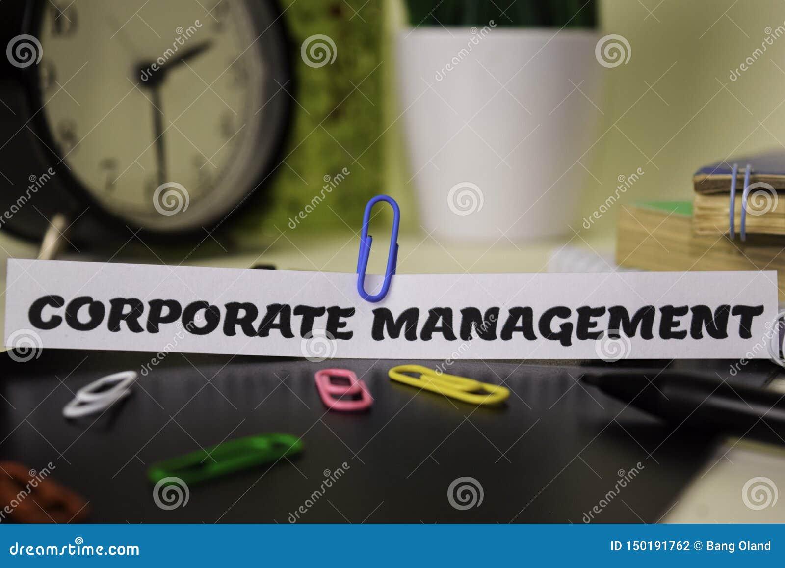 在对此隔绝的本文的公司管理书桌 企业和启发概念
