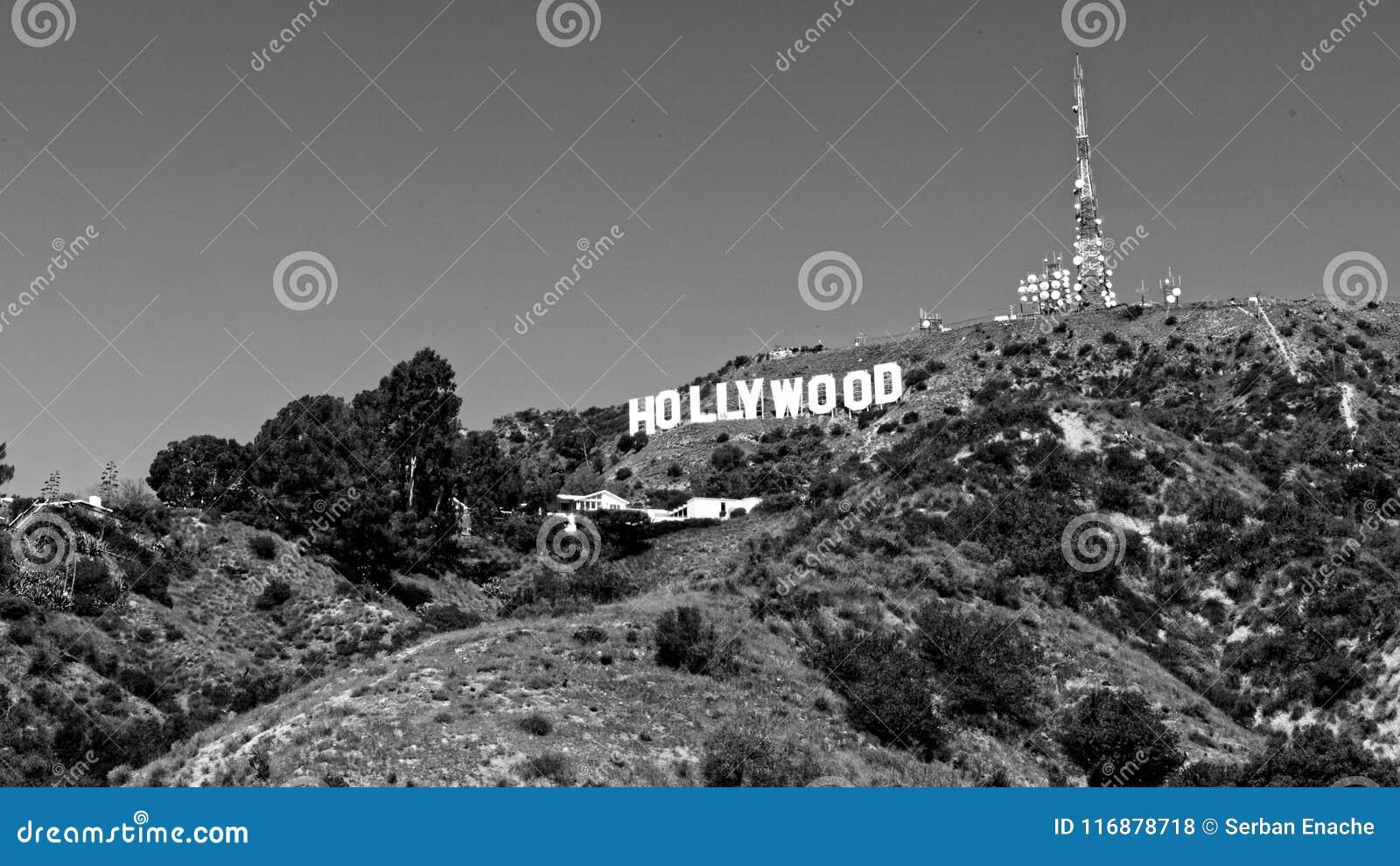 在山坡的好莱坞,加利福尼亚标志