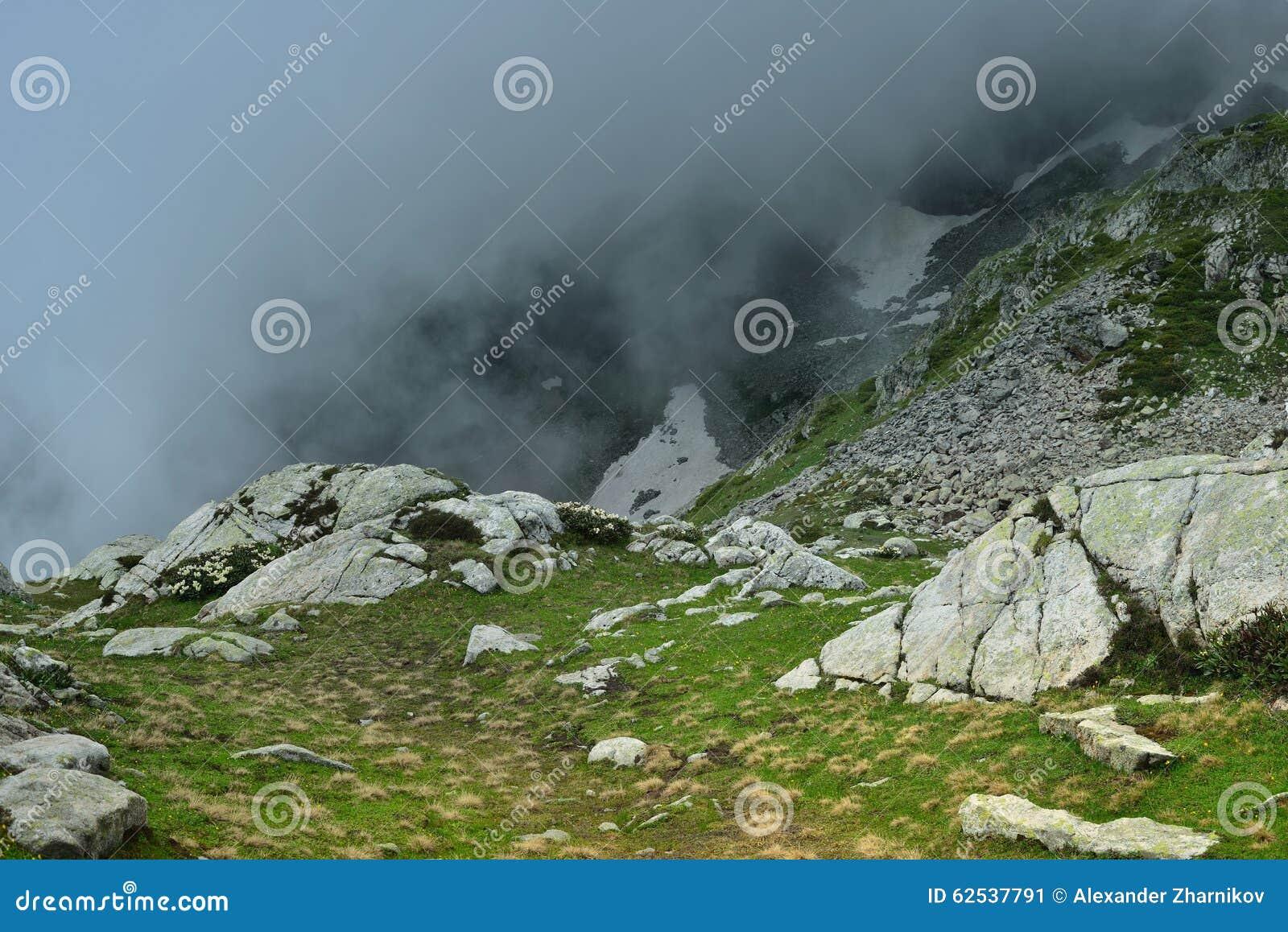 在山的云彩