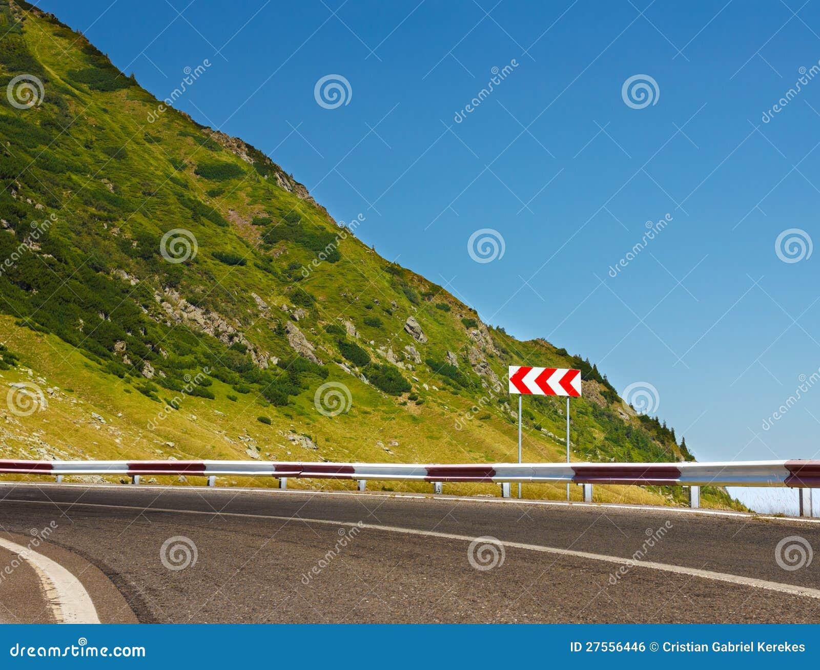 在山路的安全性符号