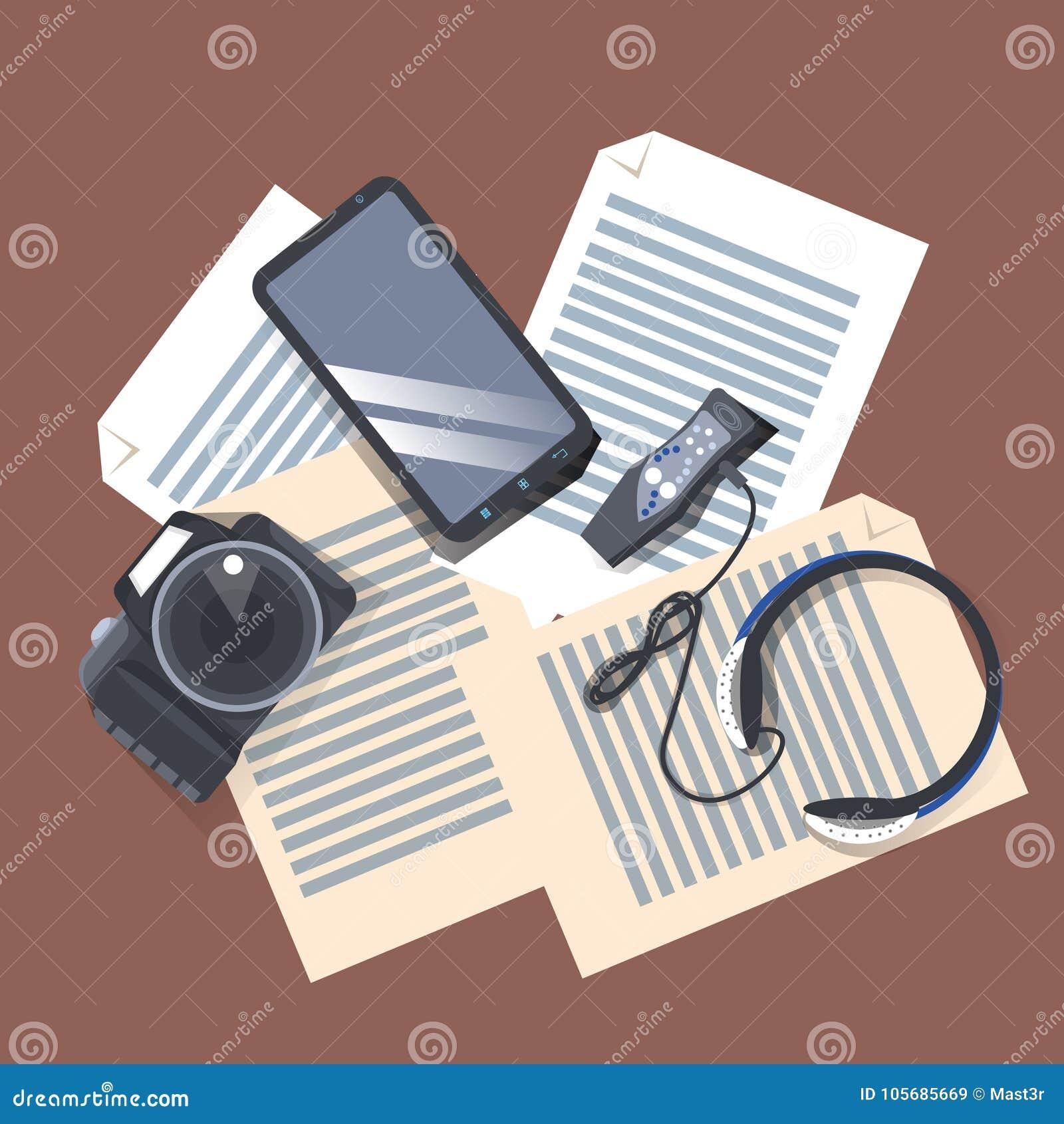 在工作场所油罐顶部角钢视图、现代照相机、音乐播放器有耳机的和巧妙的电话的小配件在纸张文件