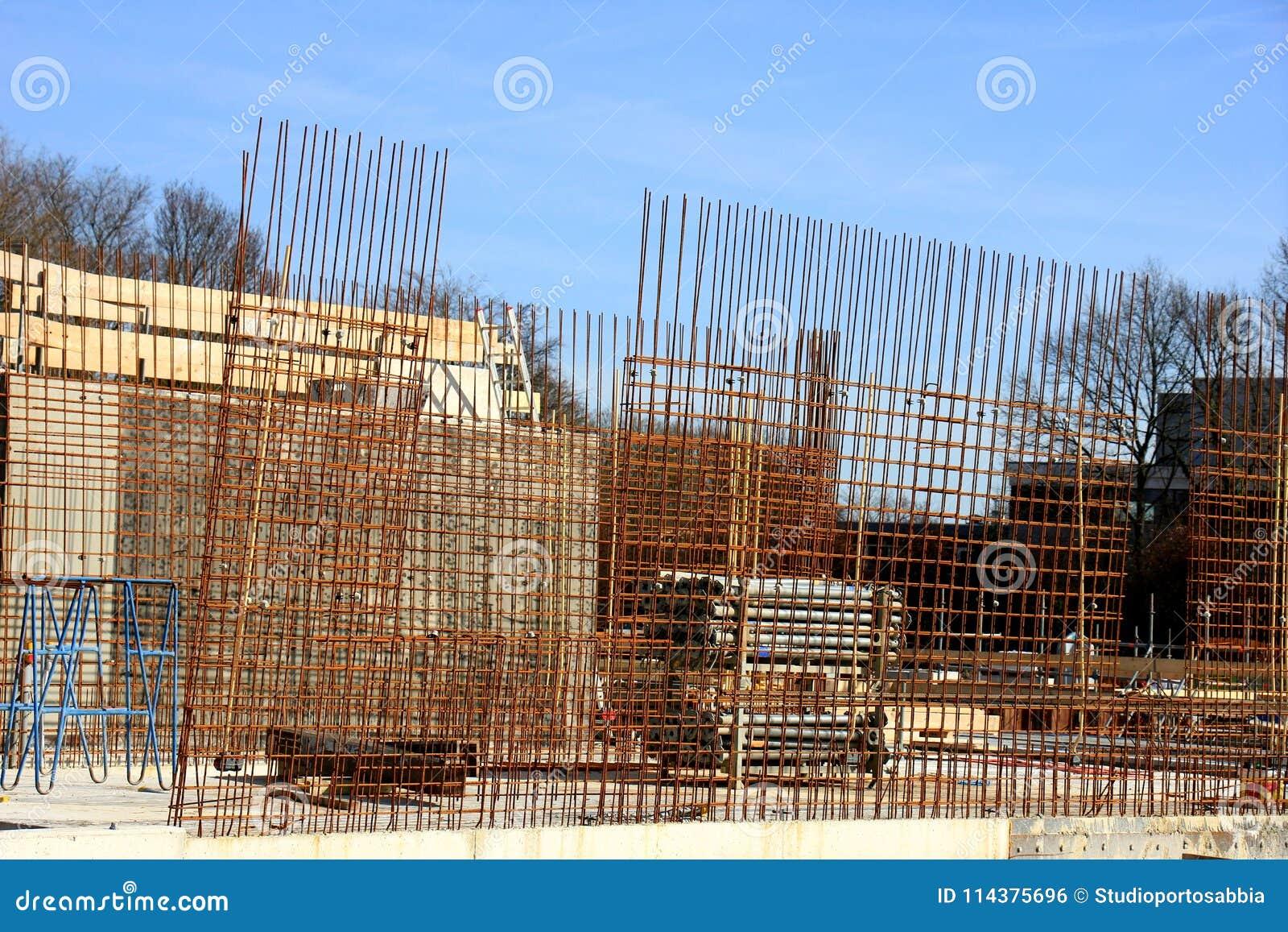 在建造场所的篱芭