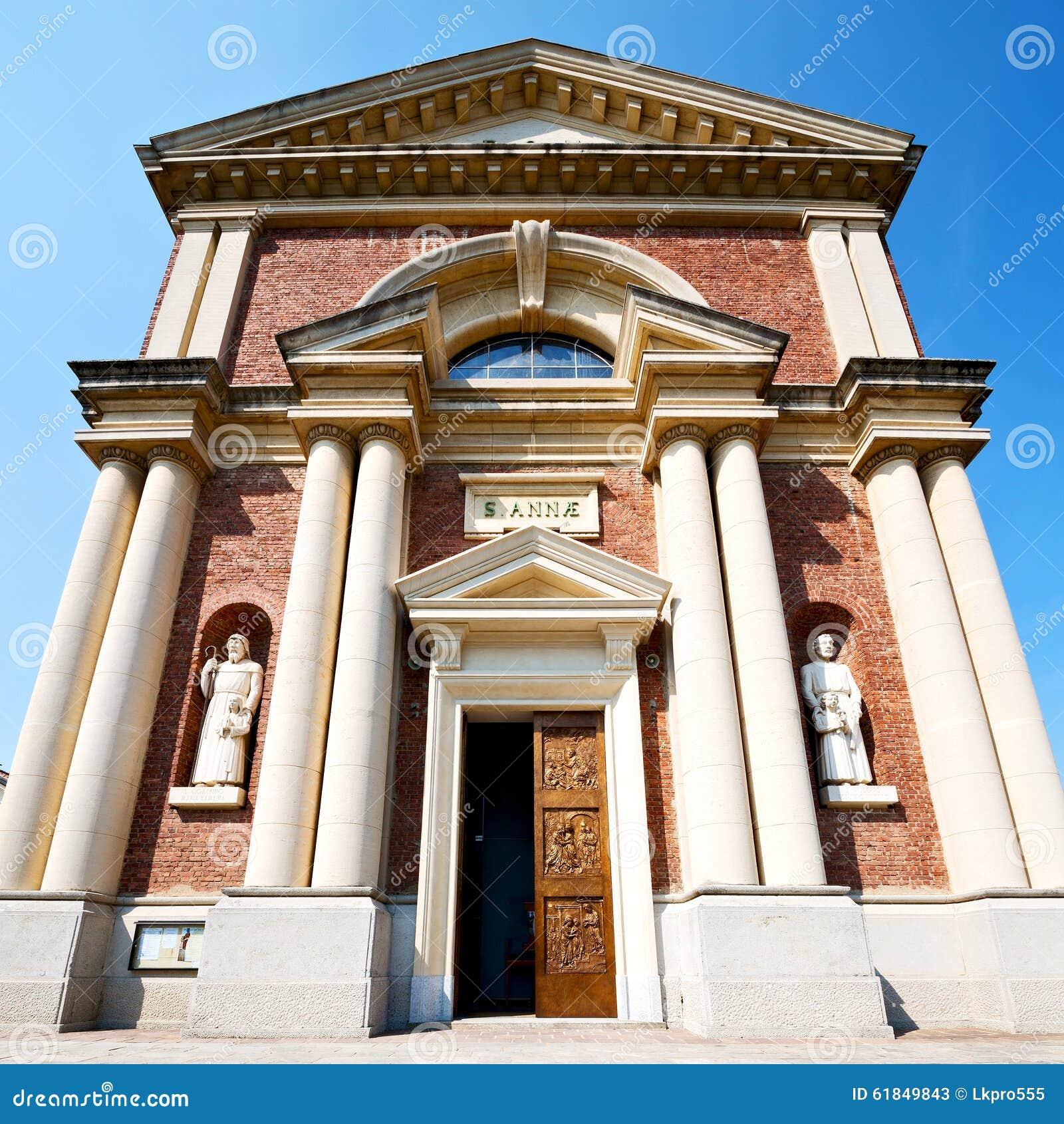 在意大利北京米兰宗教a的中世纪老建筑学欧洲jeep吉普车报价图片