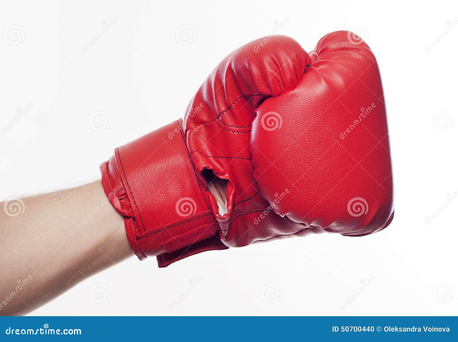 在拳击手套的手