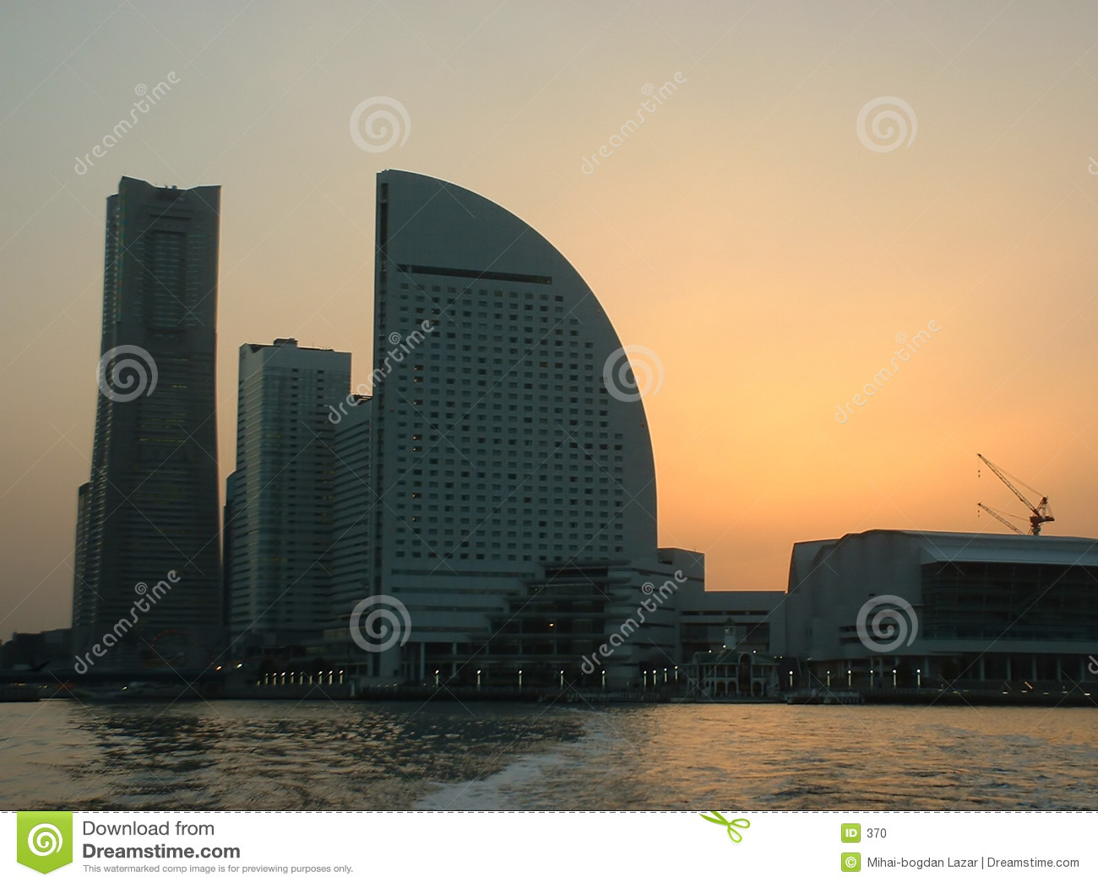 在日落横滨