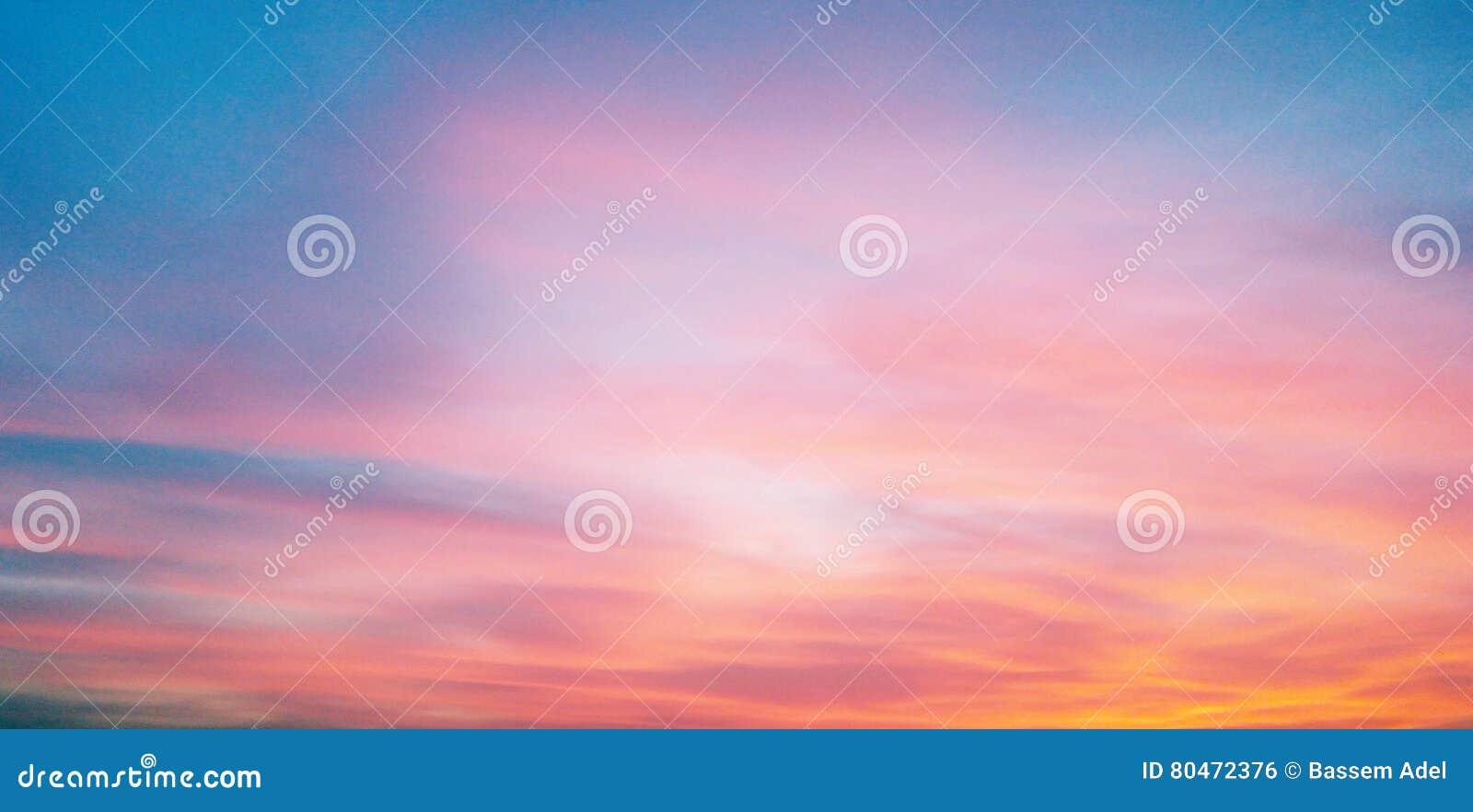 在日落的天空