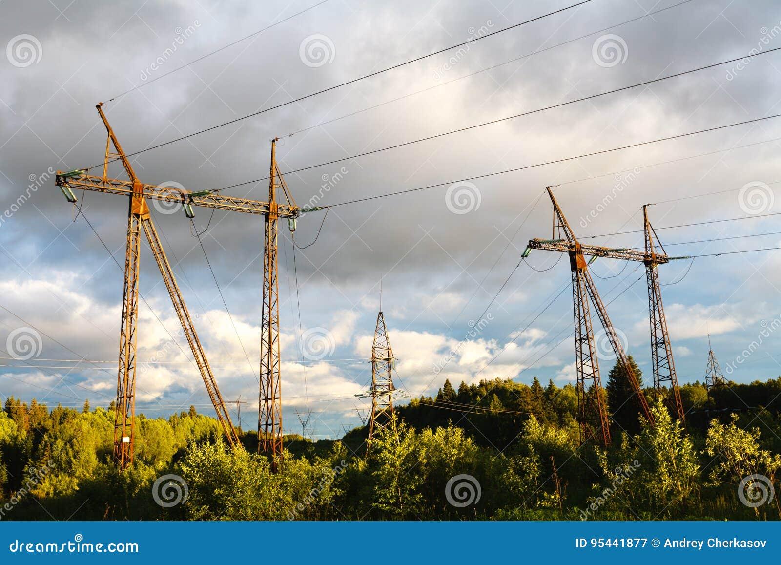 在日落的高压输电线 电发行sta