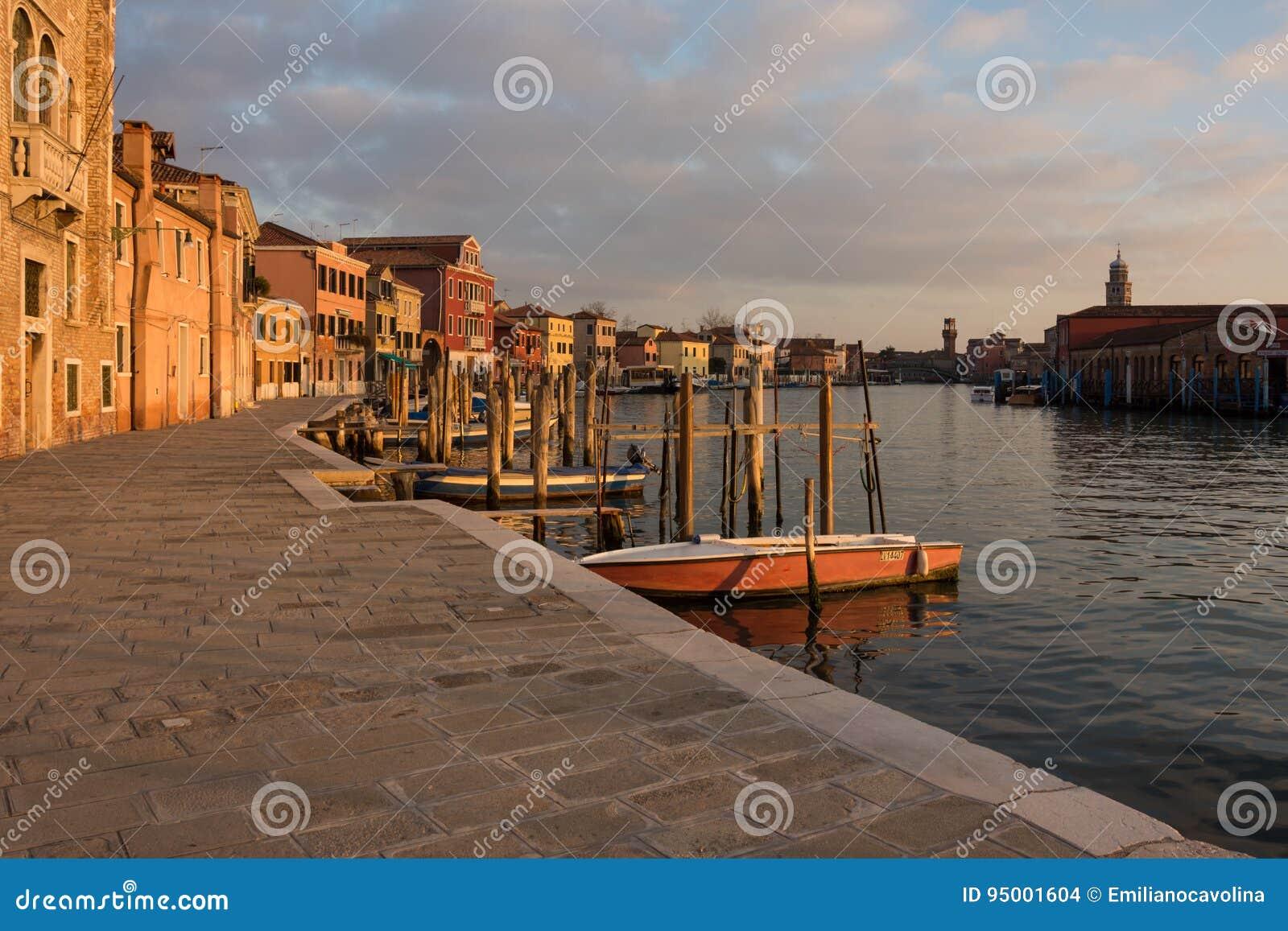 在日落的Murano