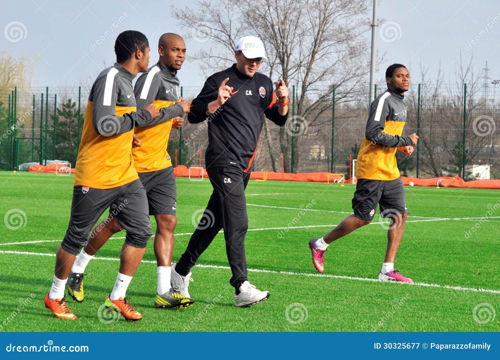 克罗Nicolini健身教练和球员