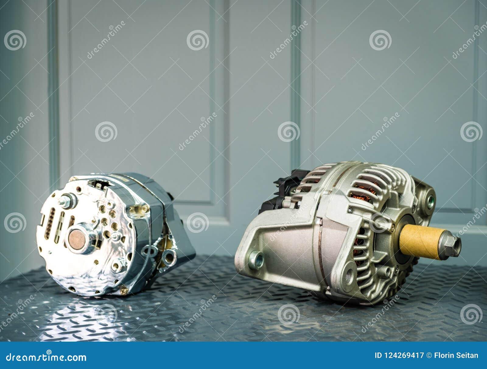 在显示的汽车交流发电机在金属架子/汽车零件