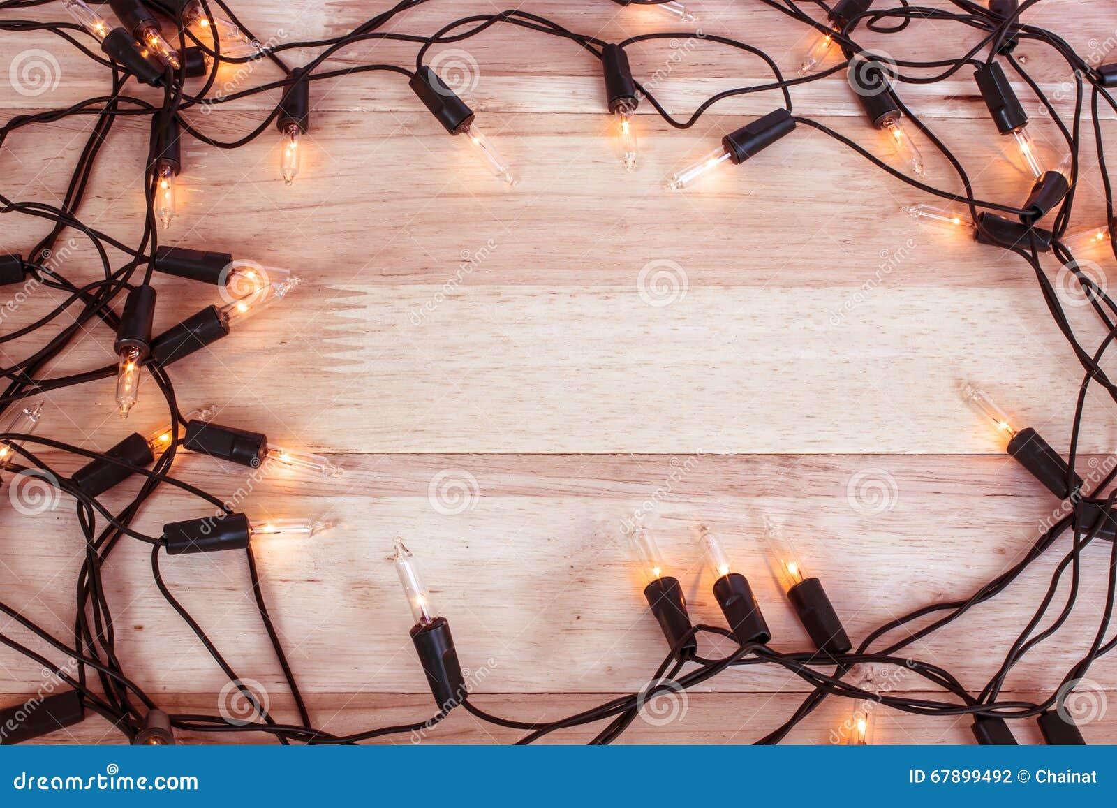 在木地板上的诗歌选光