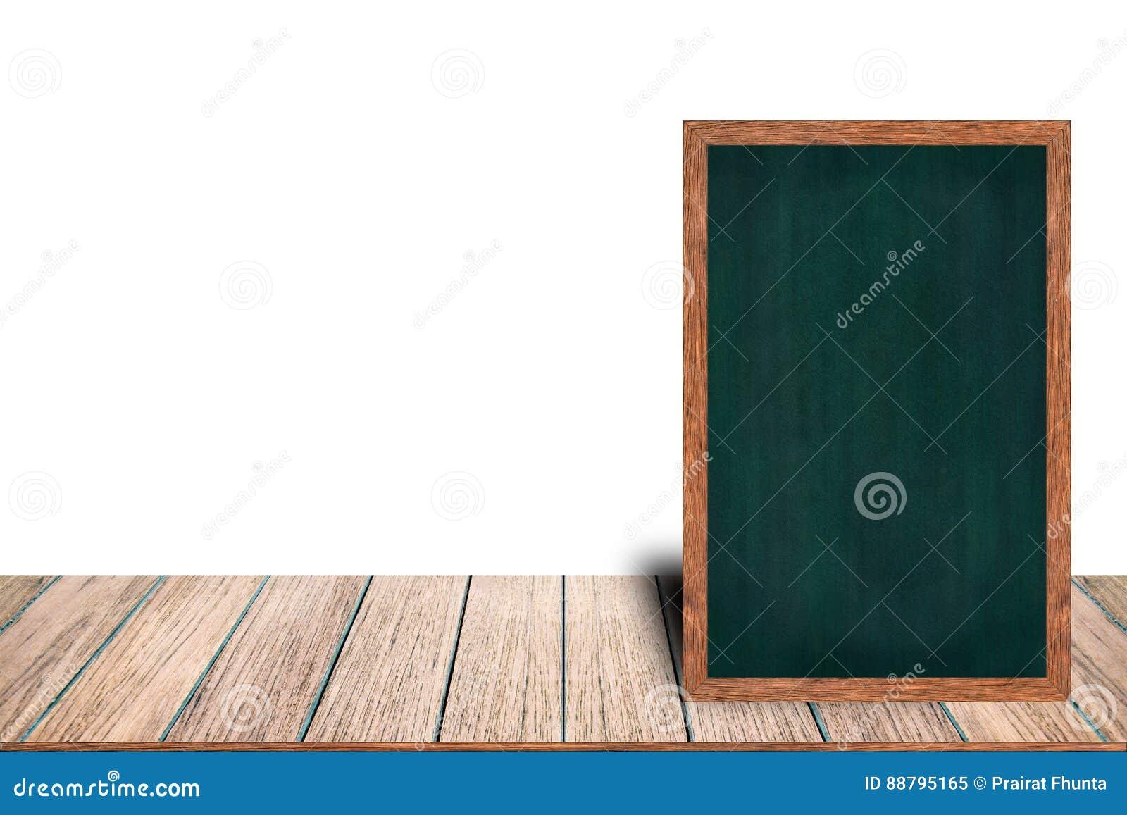 在木桌上的黑板木框架黑板标志菜单在与拷贝空间的白色背景放置