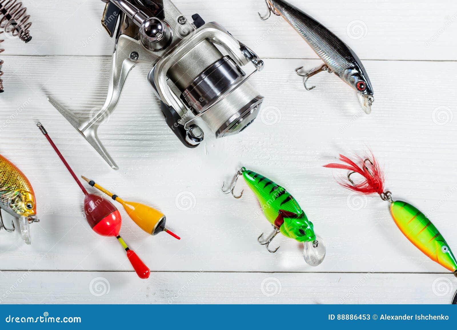 在木背景的渔辅助部件