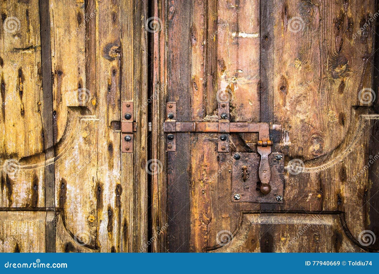 在木门的Deadbolt