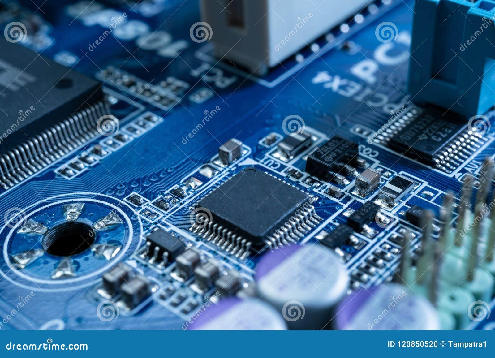 在未来派技术概念的电子线路