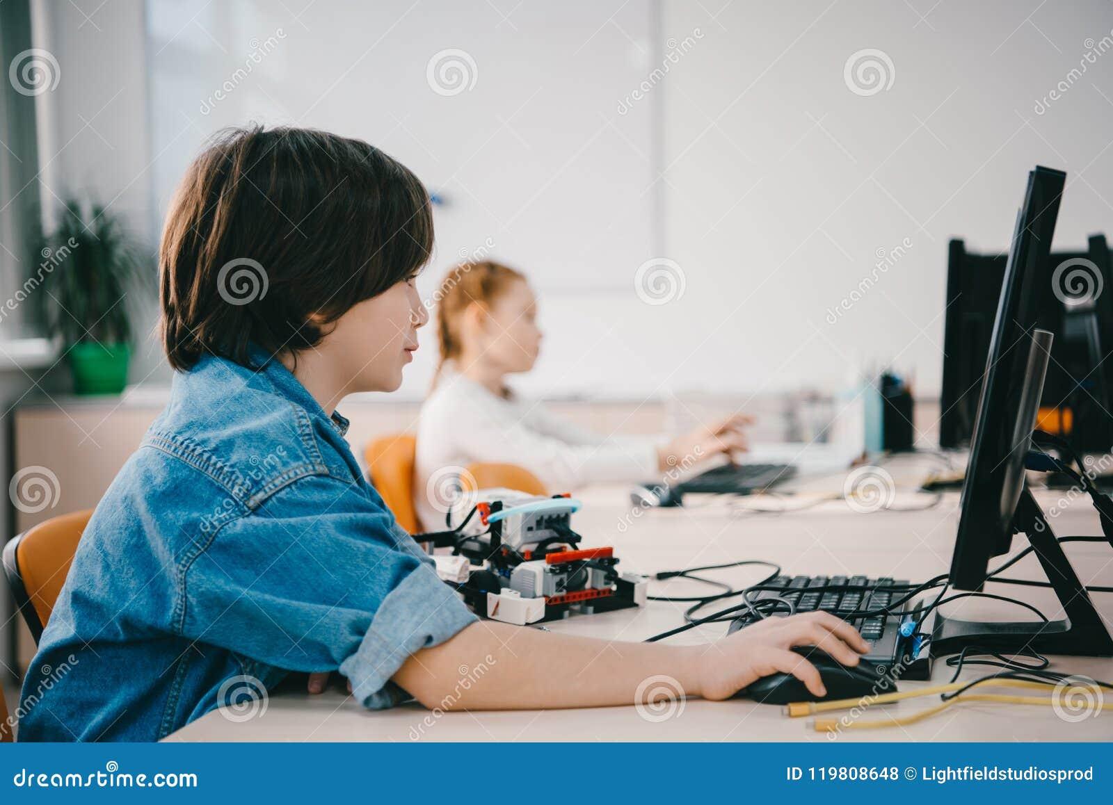 在机械类,词根的青少年的孩子