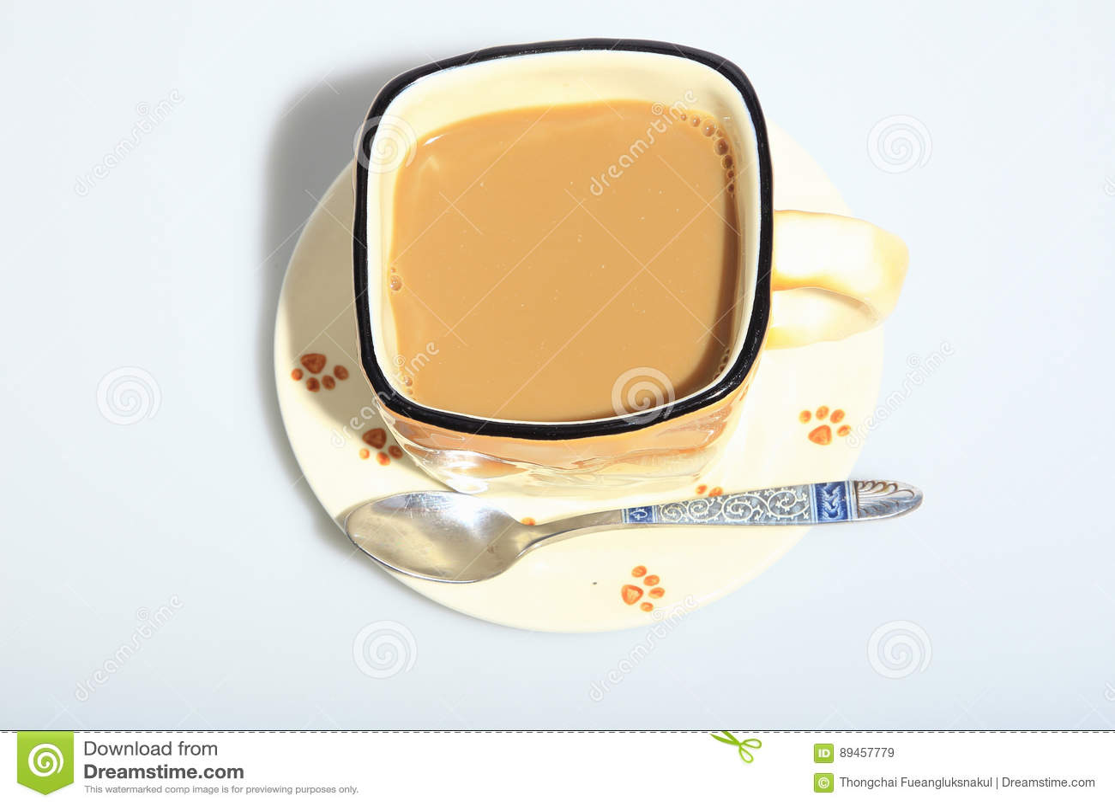 在杯子的热的咖啡
