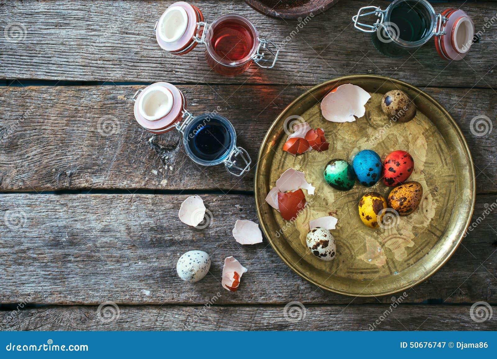 Download 在板材的复活节彩蛋 库存图片. 图片 包括有 摄影, beautifuler, 鸡蛋, 捷克人, 重婚, 嵌套 - 50676747